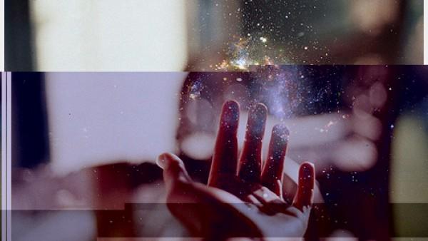 岁月是从指缝漏下碎成一地的光